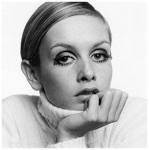 twiggy-1967-by-ronald-traeger